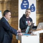 Frank Türling und Selim Achmerzaev beschreiben das Projekt Open Intregration Hub
